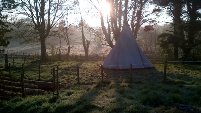 tipi_in_morning